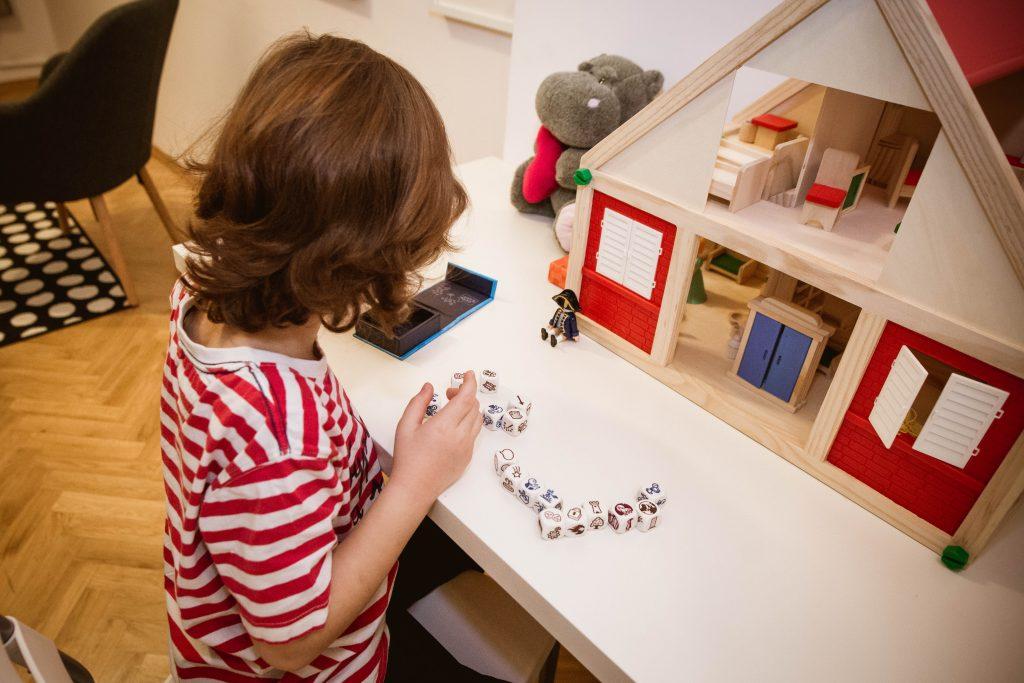 Play therapy to terapia dla dzieci